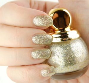 Nail polish gold color